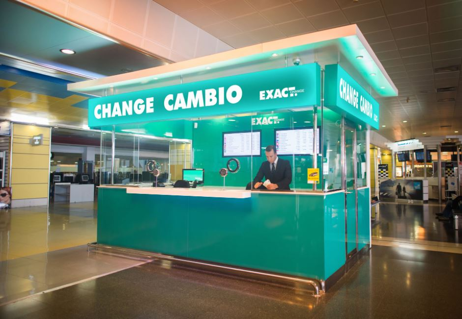 realizar cambio de moneda en casa de cambio de la ciudad