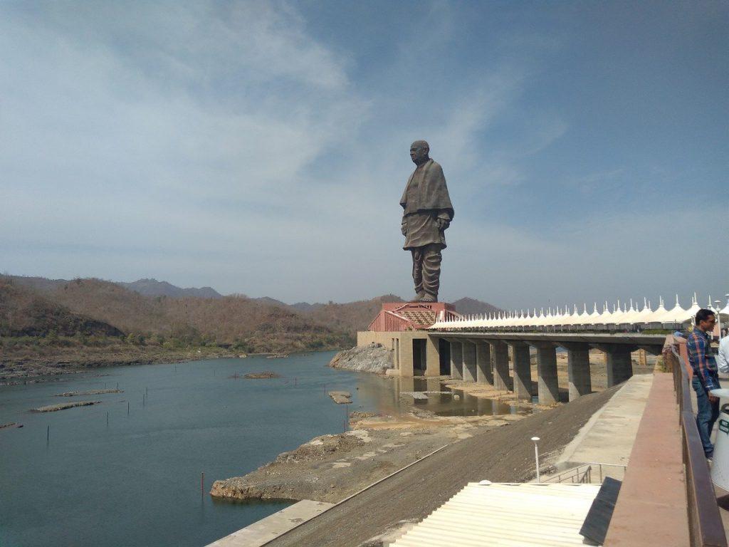 estatua de sardar patel en la india